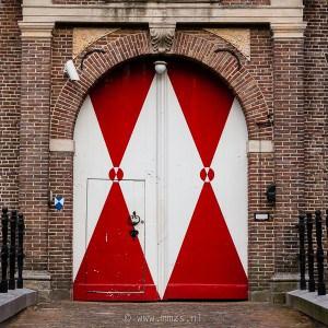 Complexen van cultuurhistorisch belang; Kasteel Heeze te Heeze, voorkant poortgebouw van het kasteel.